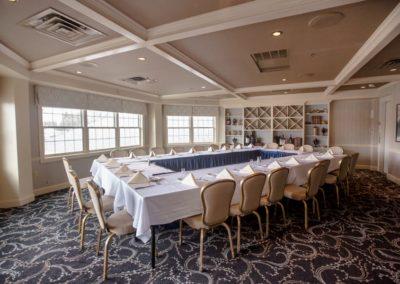 Reserve-Room-Wrap-around-Table